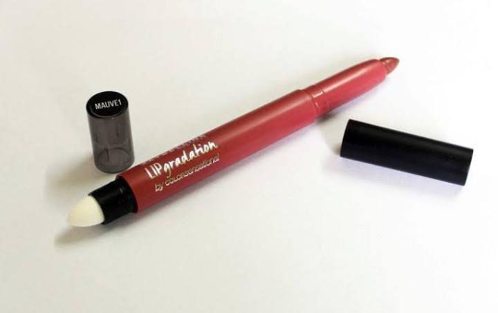 Maybelline New York Color Sensational Lip Gradation-Dual sided lip pencil-By hs_saduf