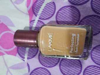 Lakme Perfecting Liquid Foundation -Good and cheap..!-By nilofer