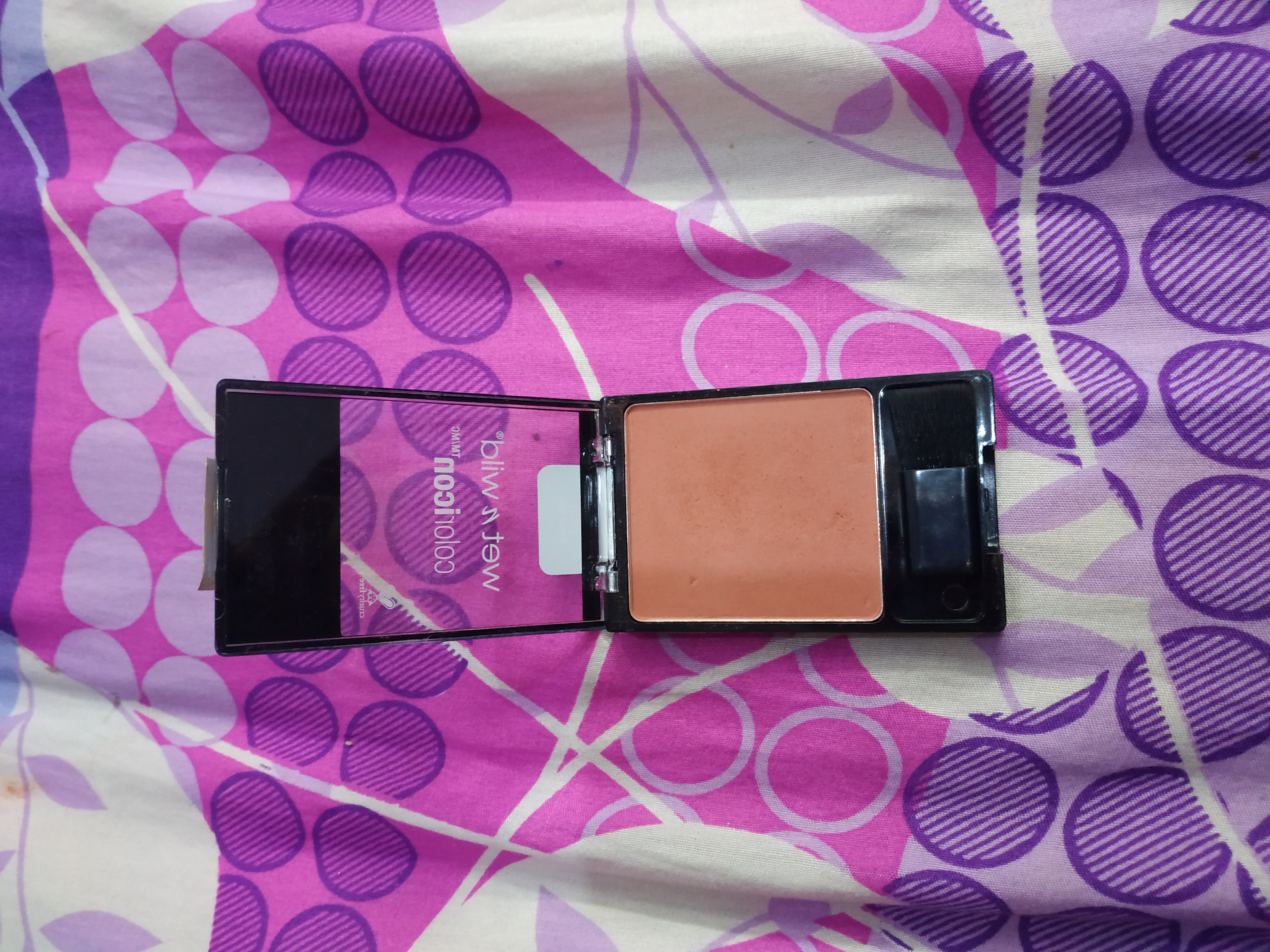 Wet n Wild Color Icon Blush-Mellow wine .!-By nilofer-2