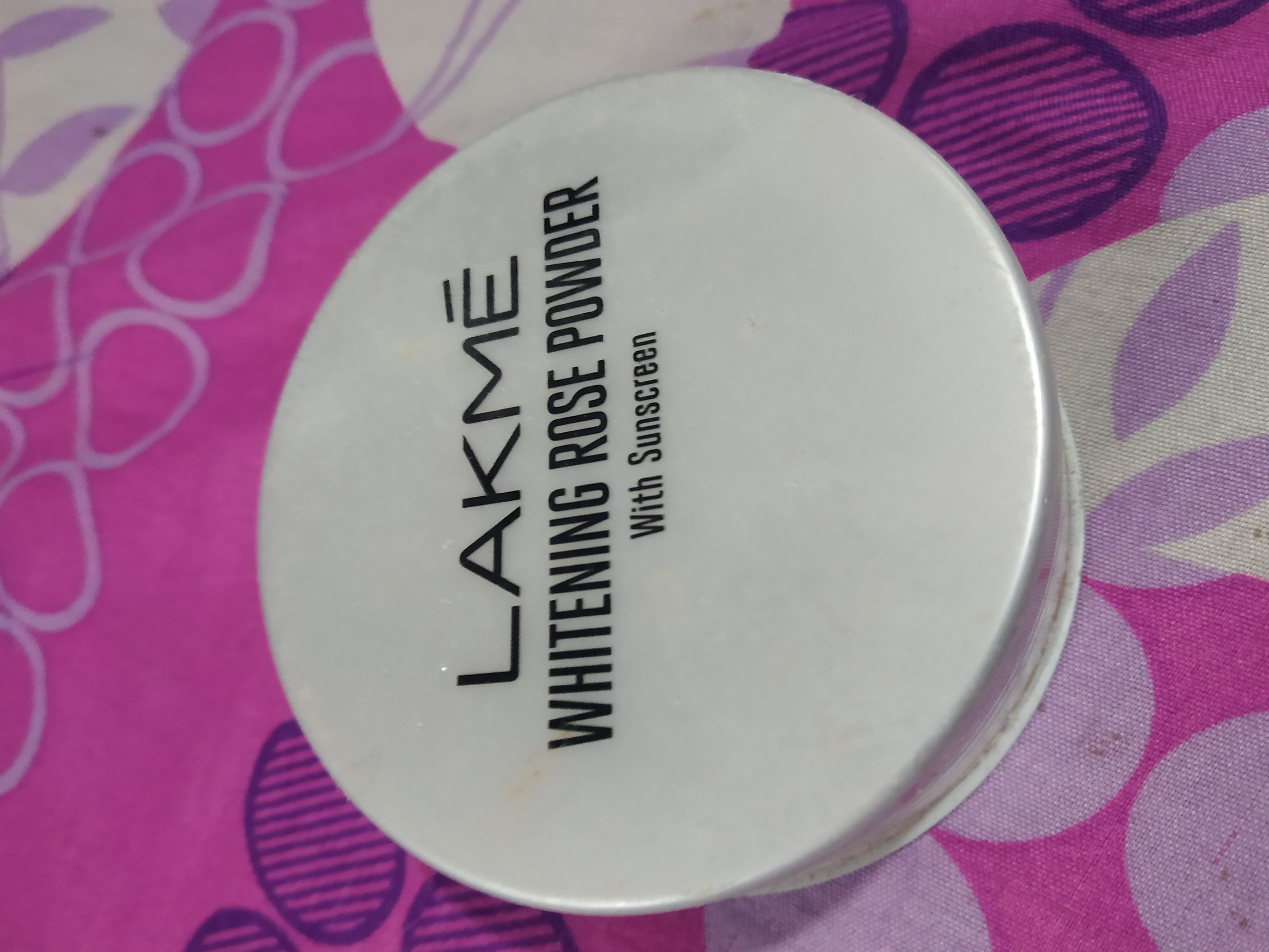 Lakme Whitening Rose Powder With Sunscreen-Satisfying product-By nilofer