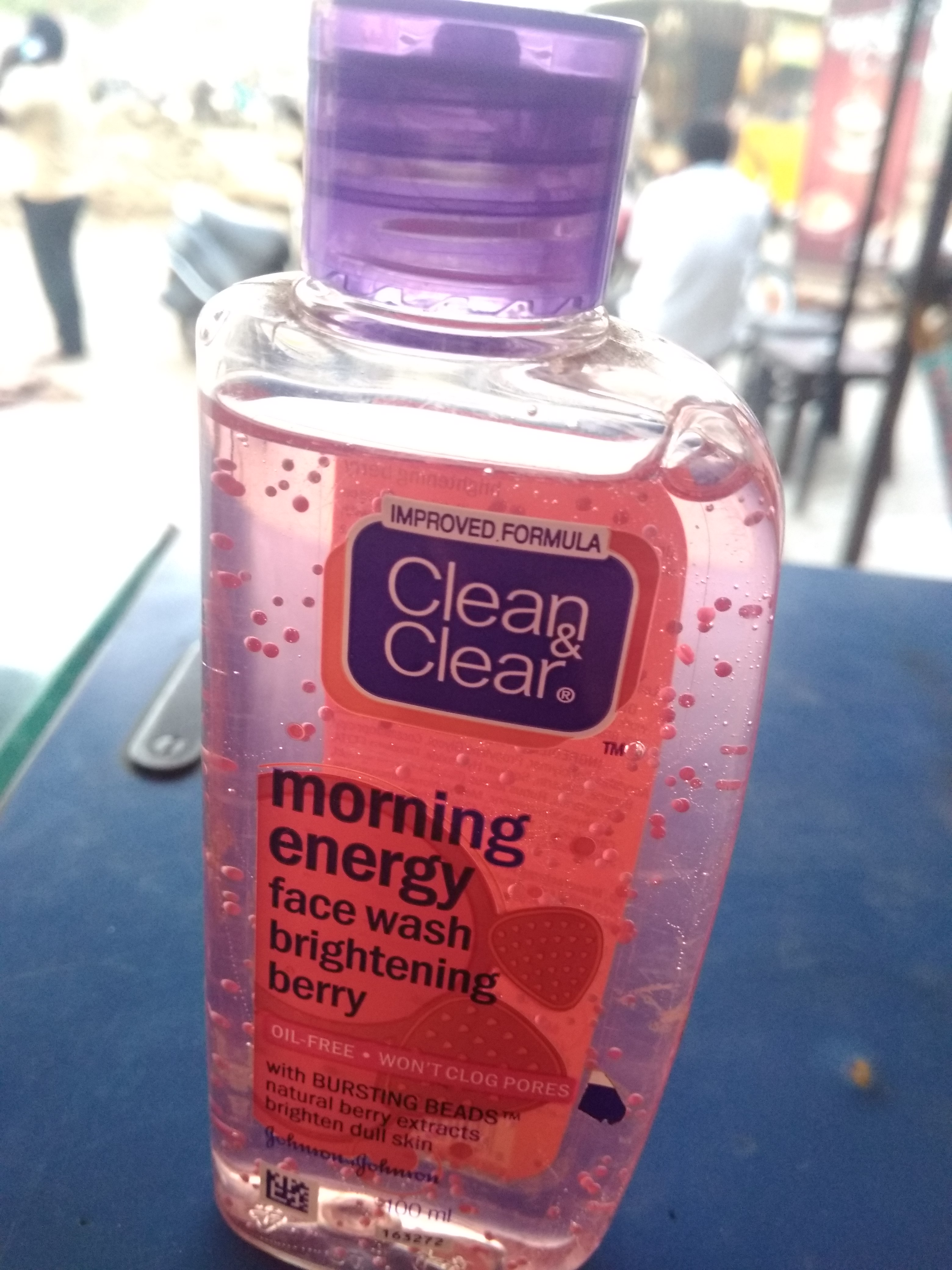 Clean & Clear Morning Energy Face Wash Brightening Berry-affective and good product-By anushka_sharma
