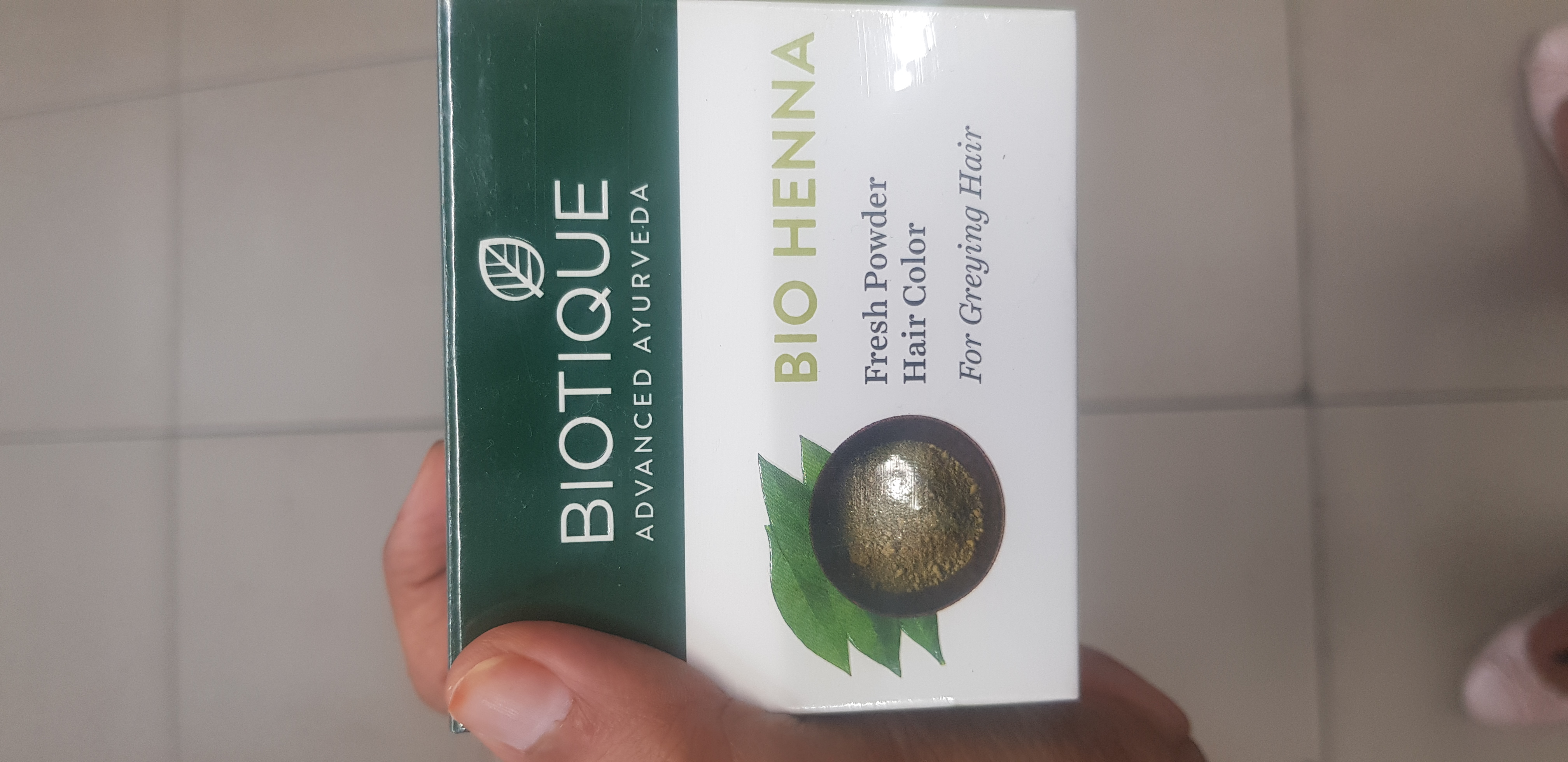 Biotique Bio Henna Fresh Powder Hair Colour For Greying Hair-Natural henna-By avyuktha
