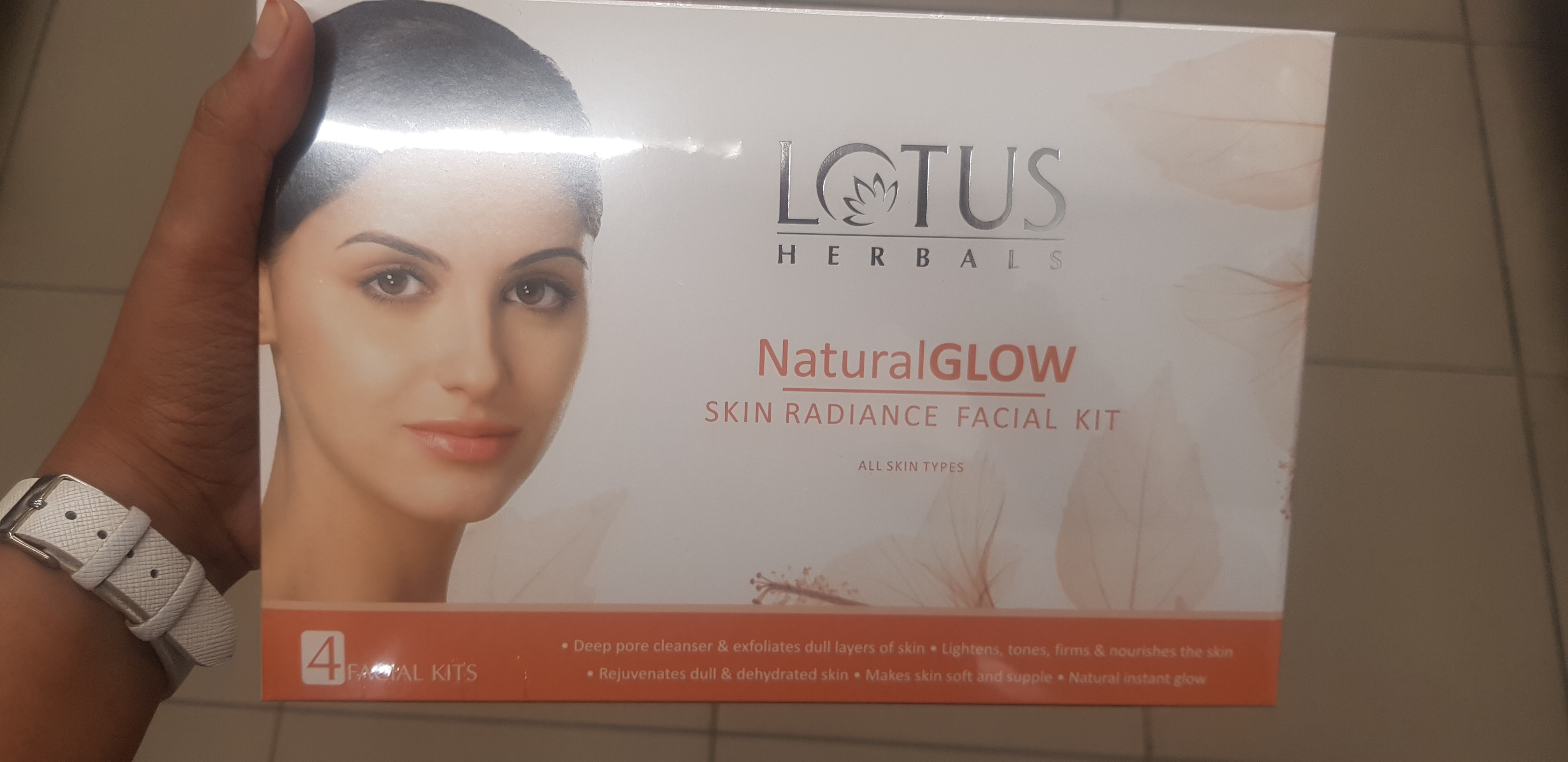 fab-review-Lotus facial kit-By avyuktha