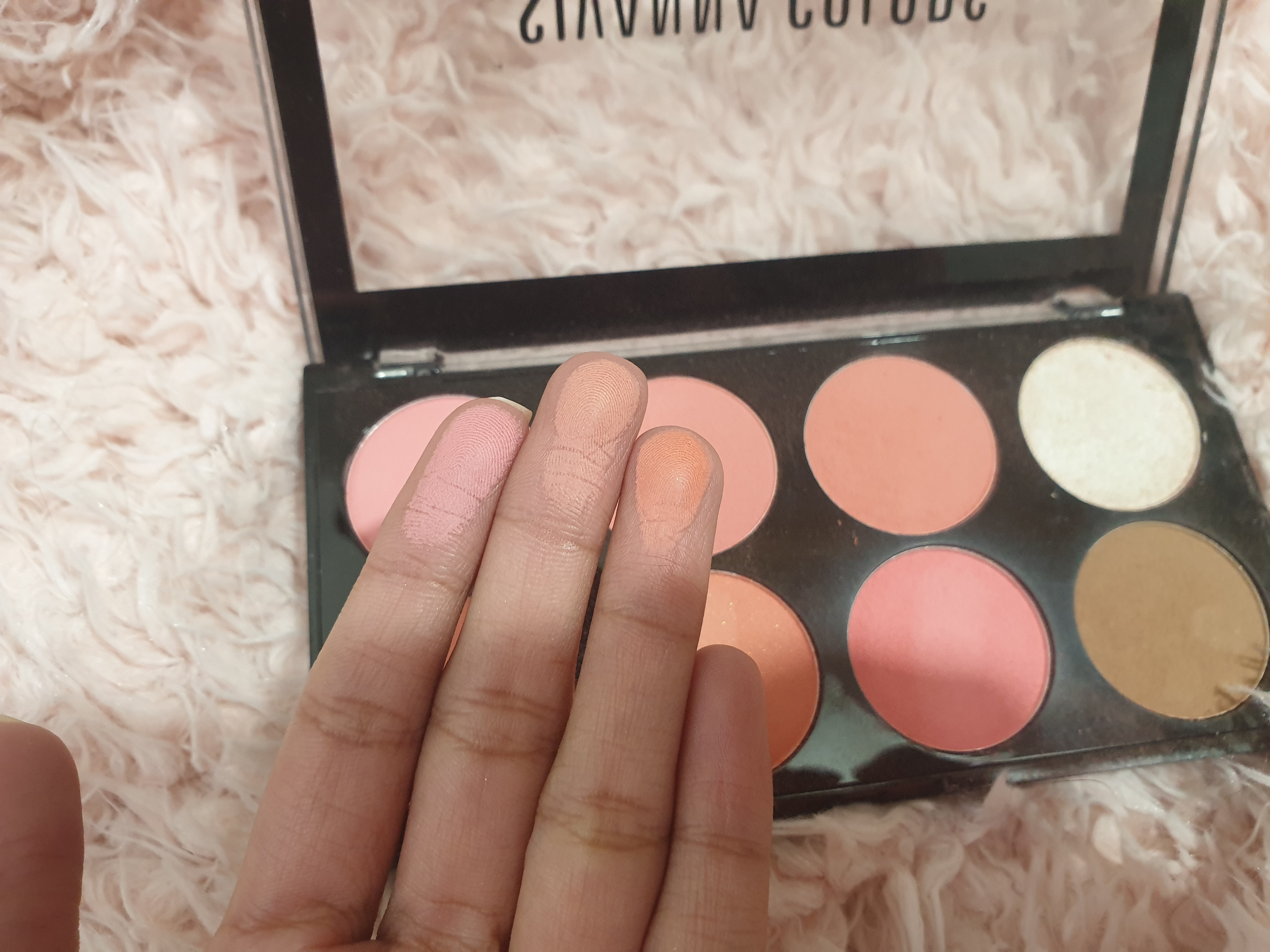Sivanna Ultra Blush Palette pic 4-Perfect for Beginners-By vitika_singh