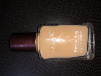 Lakme Perfecting Liquid Foundation pic 2-Ultra affordable foundation!-By aishwaryaaaa