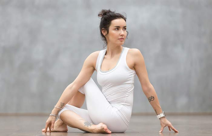 Ardha Matsyendrasana)