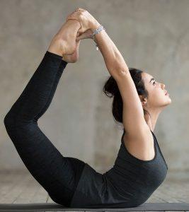 Dhanurasana (Bow Pose) Steps And Benefits in Hindi