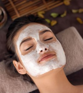 Homemade Coconut Oil Face Mask in Hindi