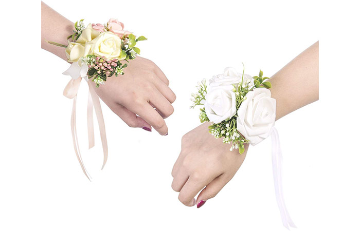 Ling's Moment Wrist Corsage