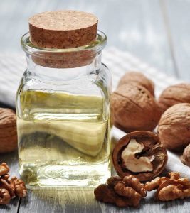 Walnut Oil Benefits, Uses and Side Effects in Hindi