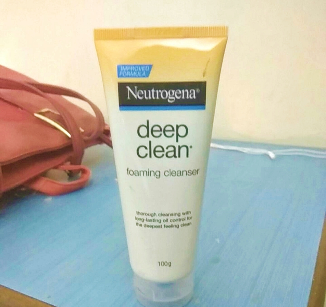 Neutrogena Deep Clean Foaming Cleanser -Best Cleanser-By marlyn.mansion