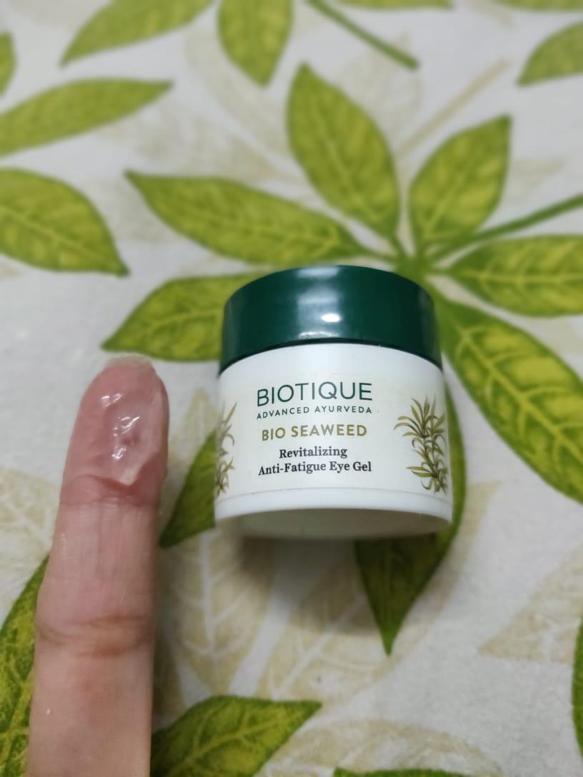 Biotique Bio Wheat Germ Youthful Nourishing Night Cream pic 2-A Soothing Eye Gel-By sharmaswat