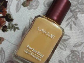 Lakme Perfecting Liquid Foundation -Decent Foundation-By bushraa