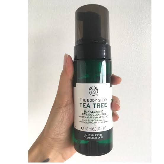 The Body Shop Tea Tree Skin Clearing Foaming Cleanser -A life saver for oily skin-By rhyminria