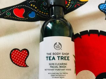 The Body Shop Tea Tree Skin Clearing Facial Wash -The Body Sop Tea Tree Skin Clearing Facial Wash-By sonam011