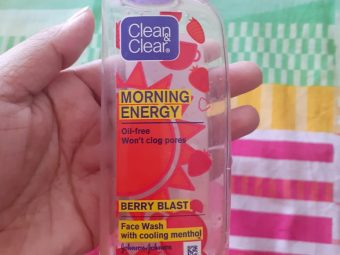 Clean & Clear Morning Energy Face Wash Brightening Berry -Mild exfoliating facewash-By pixie