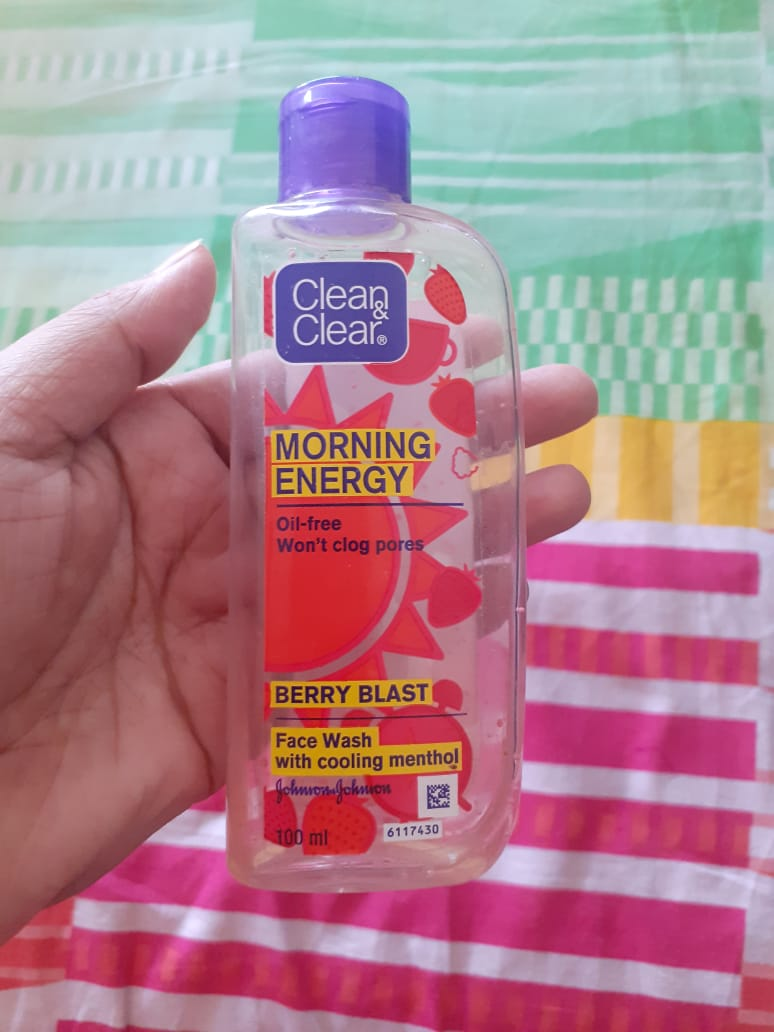 Clean & Clear Morning Energy Face Wash Brightening Berry-Mild exfoliating facewash-By pixie