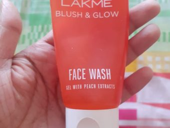 Lakme Blush & Glow Peach Gel Face Wash -Leaves the face squeaky clean-By pixie