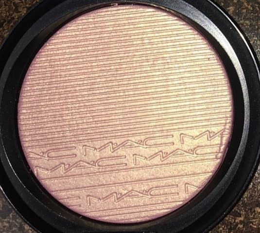 MAC Extra Dimension Skinfinish Highlighter-Definitely deserves a 5 STAR .!-By nilofer