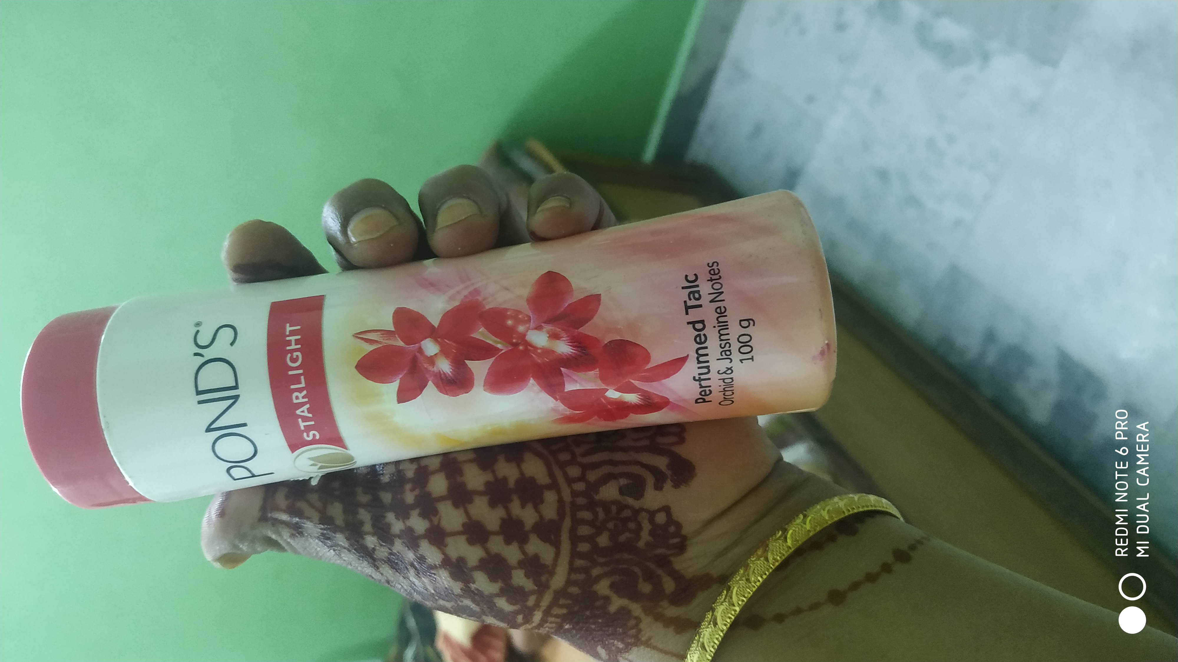 Pond's Starlight Talc-Cool and nice smell powder-By umadevi