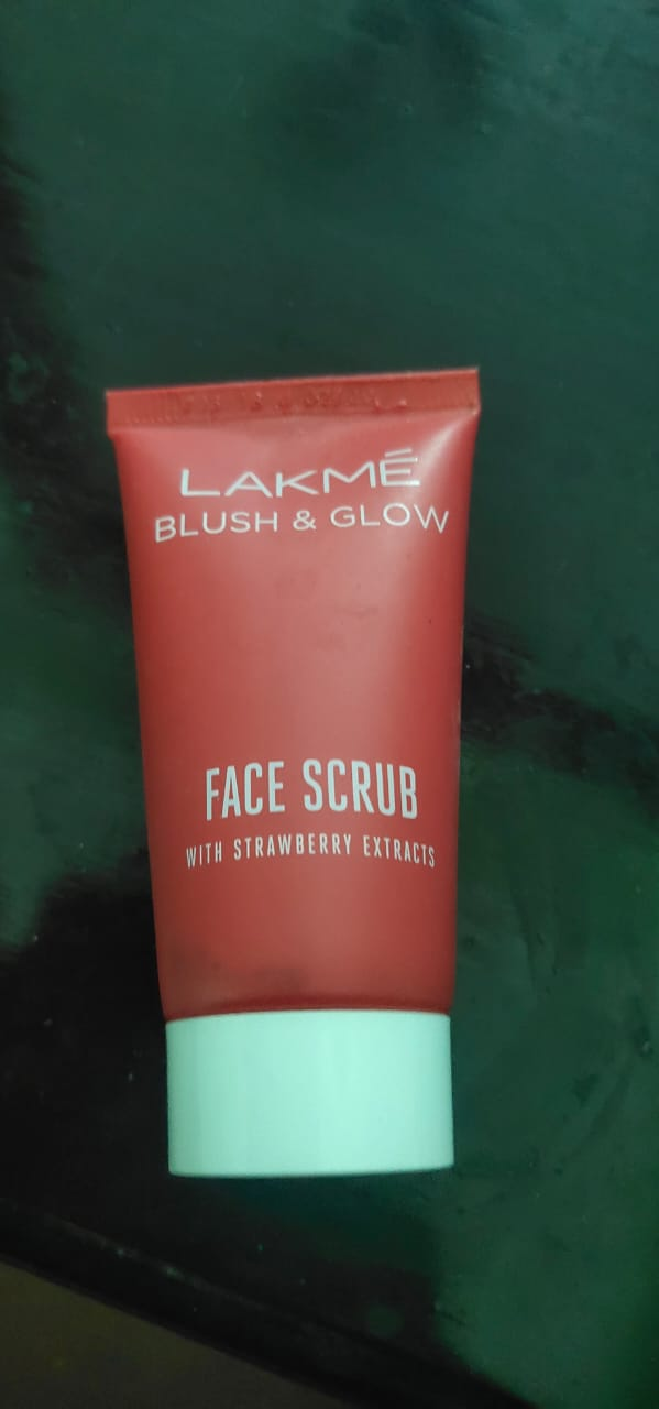 Lakme Blush & Glow Strawberry Face Scrub-Nice face scrub-By umadevi