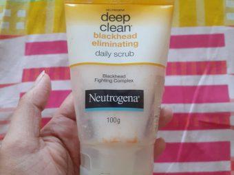 Neutrogena Deep Clean Blackhead Eliminating Daily Scrub -Best exfoliating facewash-By pixie