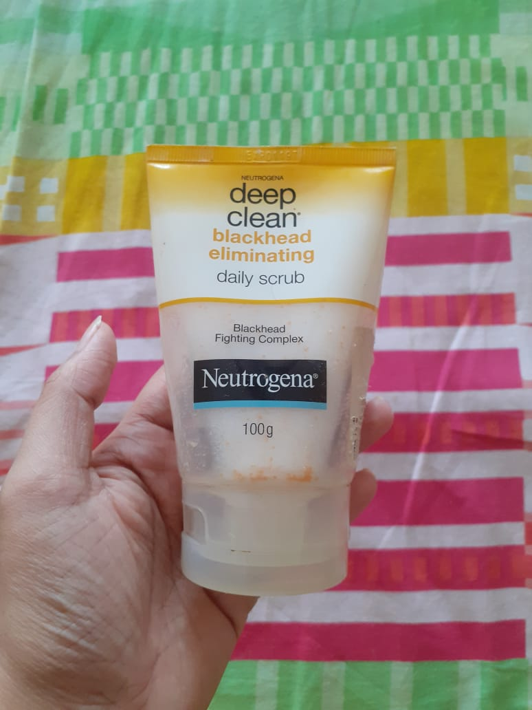 Neutrogena Deep Clean Blackhead Eliminating Daily Scrub-Best exfoliating facewash-By pixie