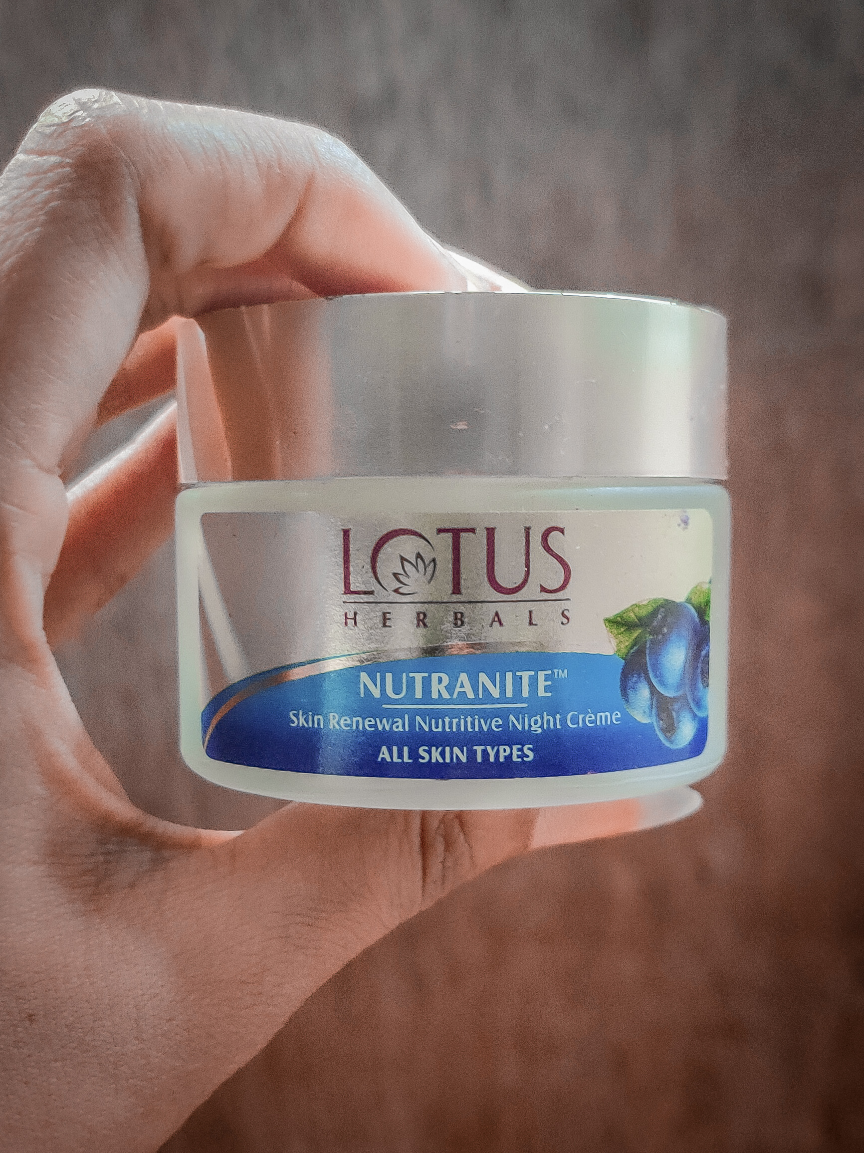 Lotus Herbals Nutranite Skin Renewal Nutritive Night Cream -Most effective night cream-By shivangigosavi
