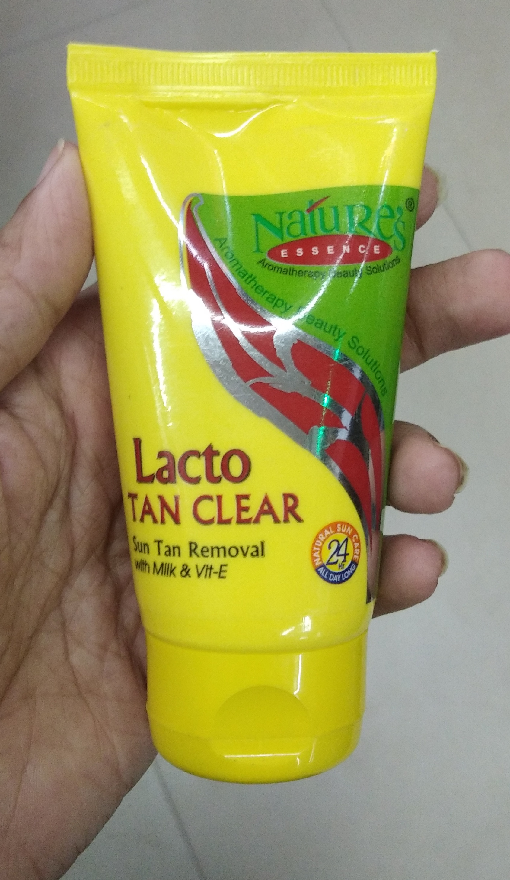 Nature's Essence Lacto Tan Clear-Works good-By Nasreen-2