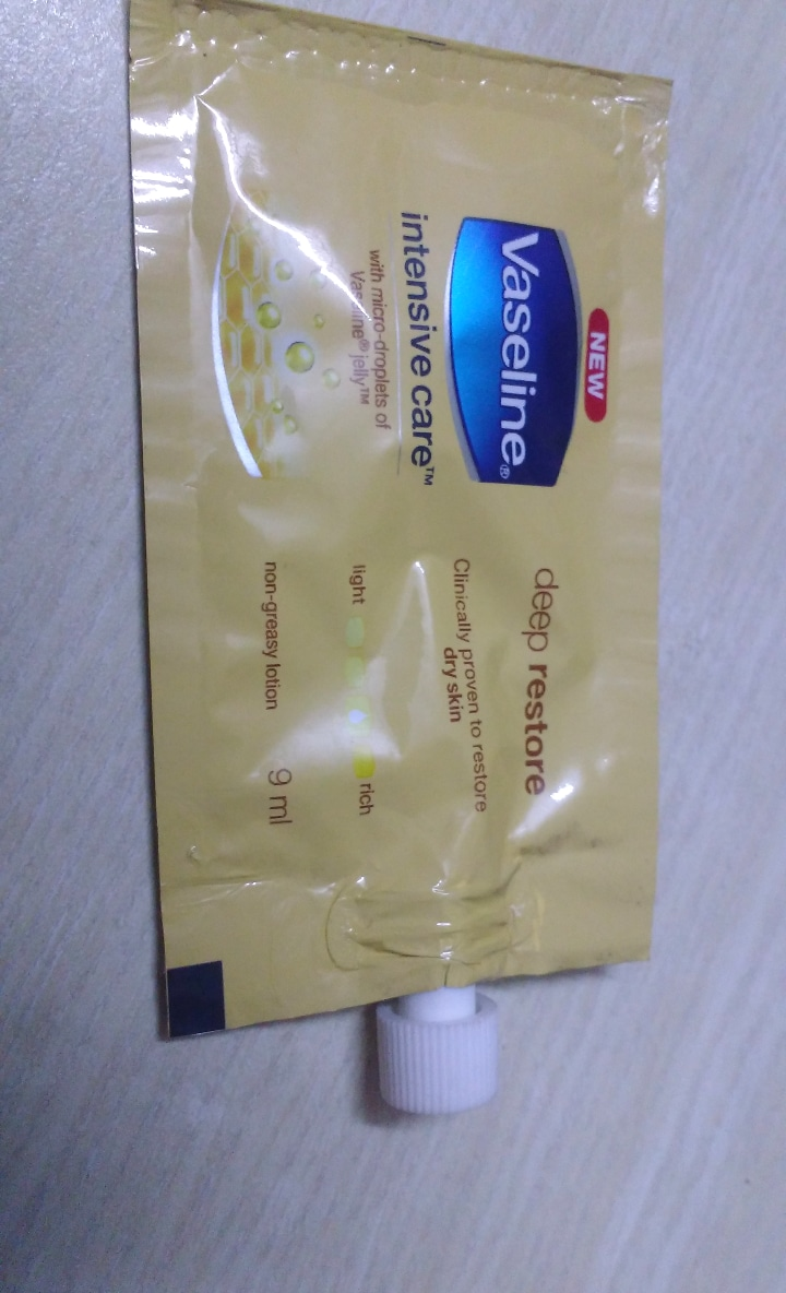 Vaseline Intensive Care Deep Restore Body Lotion-Deep moisturizer-By ashwini_bhagat