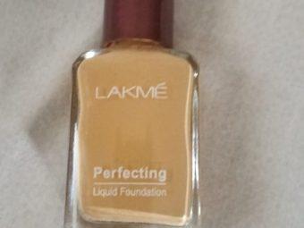 Lakme Perfecting Liquid Foundation -Best coverage-By ashwini_bhagat