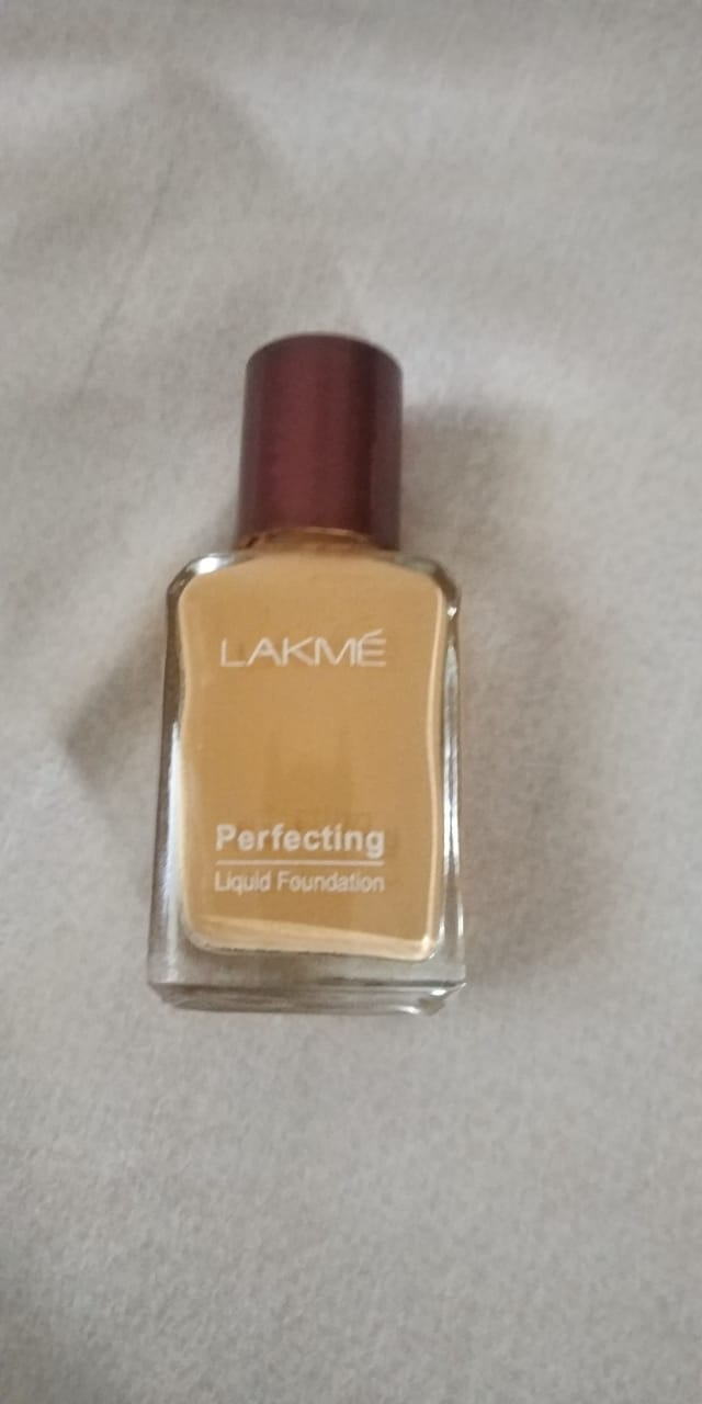 Lakme Perfecting Liquid Foundation-Best coverage-By ashwini_bhagat