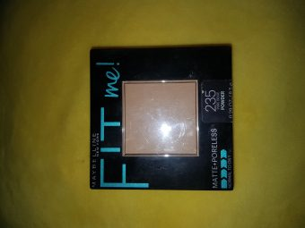 Maybelline Fit Me Matte And Poreless Powder -Great compact-By nessa