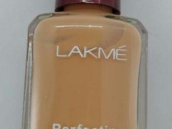 Lakme Perfecting Liquid Foundation -Good foundation with good coverage-By avyuktha