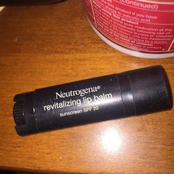 Neutrogena Revitalizing Lip Balm SPF 20 -Best lip balm with SPF-By umadevi