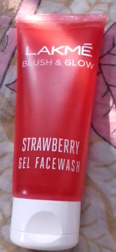 Lakme Blush & Glow Strawberry Creme Face Wash-Lakme Blush and Glow Strawberry Creme Face Wash-By aneesha