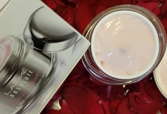 Lakme Absolute Perfect Radiance Skin Lightening Night Creme-Perfect radiance cream-By lilgirl27