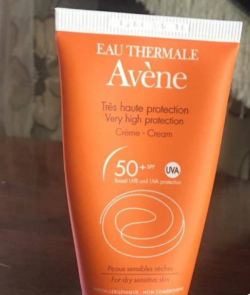 Avene Very High Protection Cream Spf 50+-Great for veey high sunrays-By lilgirl27