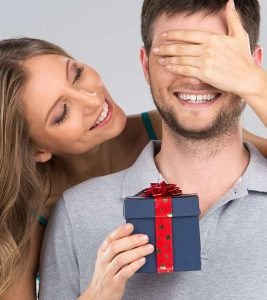 19 Best Cheap Valentine's Day Gifts For Him