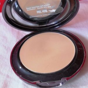 Lakme Absolute White Intense Wet & Dry Compact -most amazing work of lakme!-By bushraa