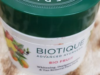Biotique Bio Fruit Whitening & Depigmentation Face Pack -Brightens the skin!-By poonam_kakkar