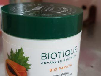 Biotique Bio Papaya Revitalizing Tan Removal Scrub -Mild scrub!-By poonam_kakkar