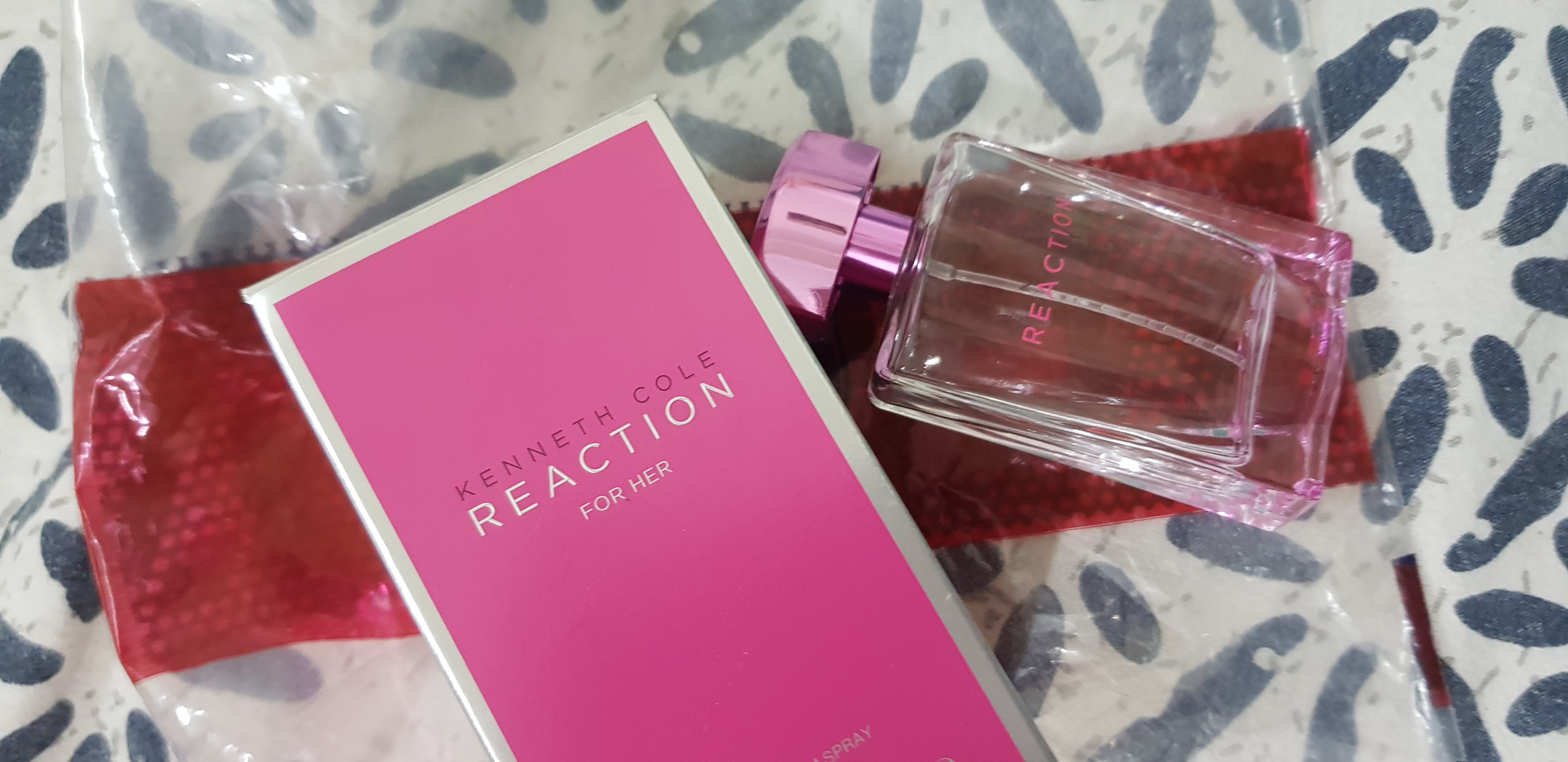 Kenneth Cole Reaction For Her Eau De Parfum-Just the perfect Perfume!-By poonam_kakkar