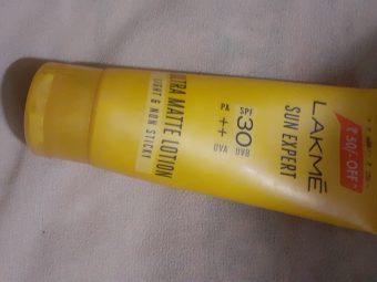 Lakme Sun Expert SPF 30 PA++ Ultra Matte Lotion -Oil control Sunscreen-By vanitylove