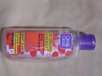 Clean & Clear Morning Energy Face Wash Brightening Berry -Brightening Face Wash-By vanitylove