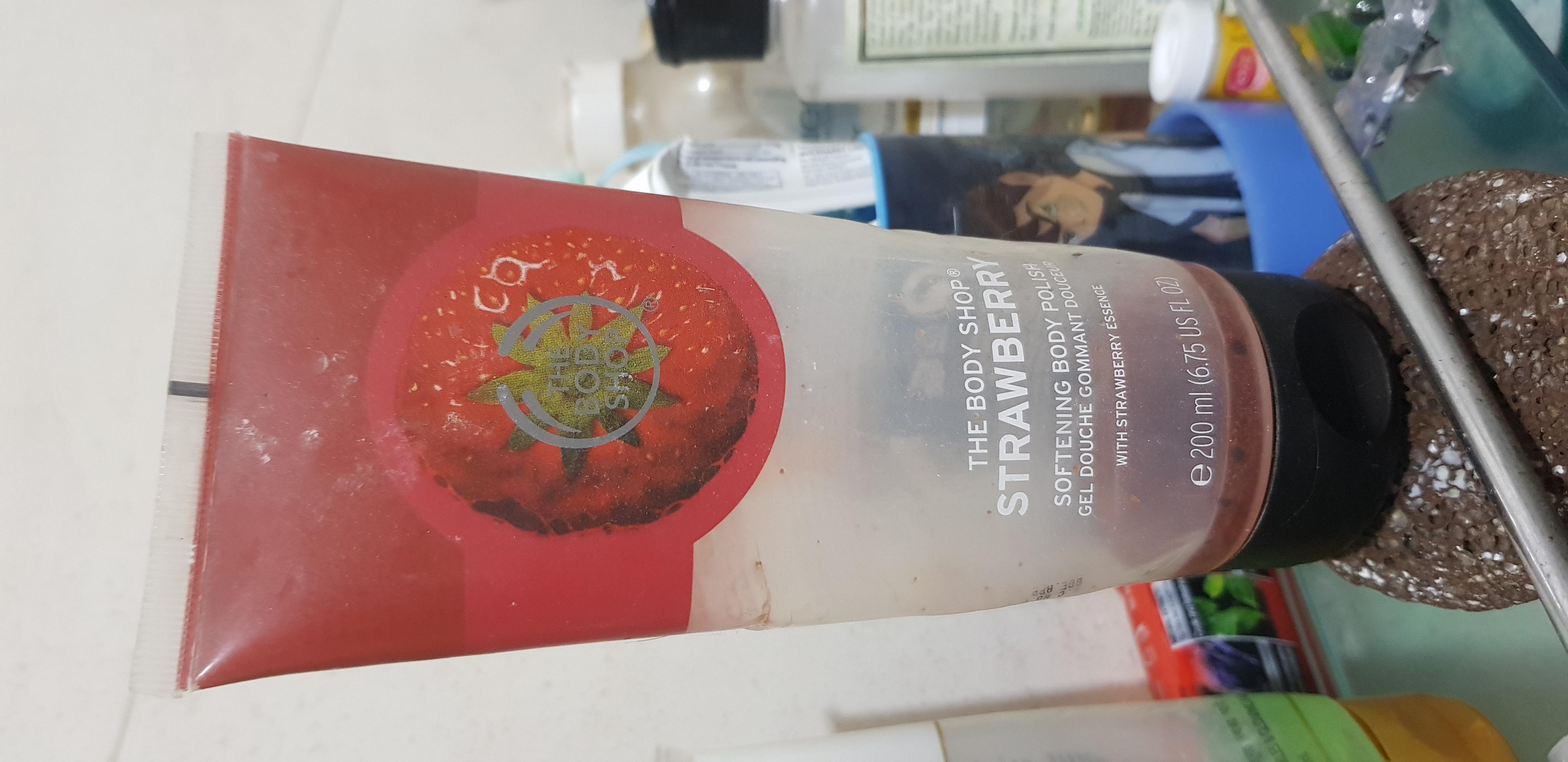 The Body Shop Strawberry Body Polish Scrub-Best polish scrub-By poonam_kakkar