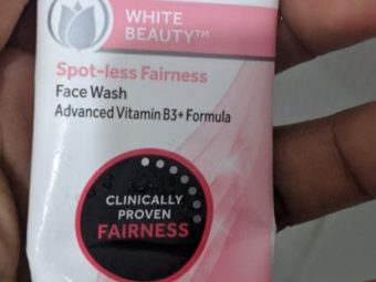 Pond's White Beauty Daily Spotless Lightening Face Wash -Ponds face wash-By simranwalia29