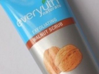 Everyuth Naturals Exfoliating Walnut Scrub -Exfoliates Skin-By vaishali_0111