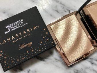Anastasia Beverly Hills Amrezy Highlighter -Amrezy highlighter-By simranwalia29