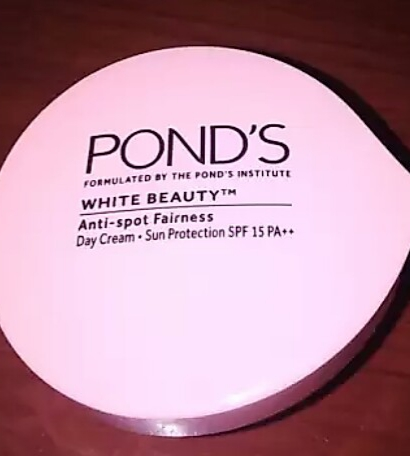 Ponds White Beauty Anti Spot Fairness SPF 15 Day Cream-Lightens skin-By vaishali_0111